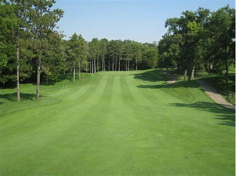 Saint Rose Golf Classic - Default Image of Closest to the Line