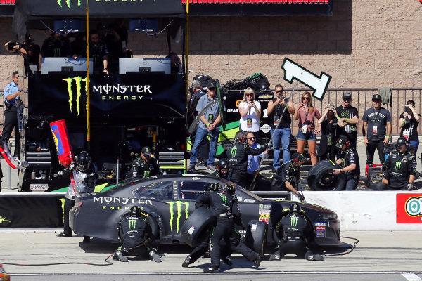 KURT BUSCH NASCAR PIT CREW